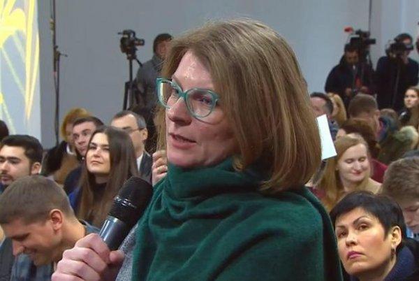 Poroşenkoya yersiz sual verən jurnalist işdən çıxarıldı