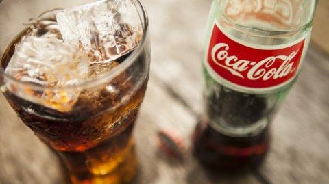 """""""Coca-Cola"""" içkinin zərərini gizlətmək üçün alimlərə """"haqq"""" ödəyirmiş"""