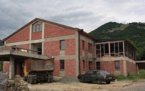 Ermənilər Laçında xəstəxana inşa edir