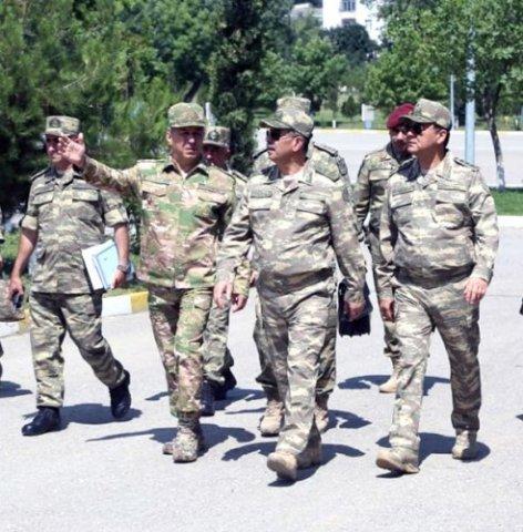 Zakir Həsənov hərbi hissələrdə yoxlamalara başladı - ŞƏKİLLƏR