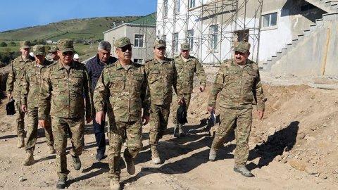 Zakir Həsənov cəbhə zonasında - ŞƏKİLLƏR