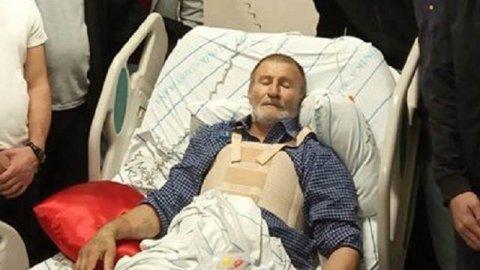 Mübariz İbrahimovun atası ürəyindən əməliyyat edildi - ŞƏKİL