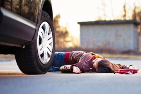 Sumqayıtda 16 yaşlı qızı maşın vurub