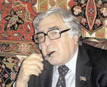 """""""Bədbəxçilikdir ki, bizim cəmiyyətin böyük hissəsi Azərbaycan dilində kitab oxumur"""""""