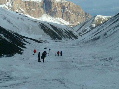 Alpinistlərin axtarışı yenə çətinləşdi - Xınalığa 40 santimetr qar yağıb