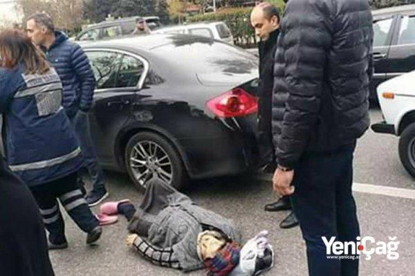 Daha bir süpürgəçi qadını maşın vurdu - FOTO