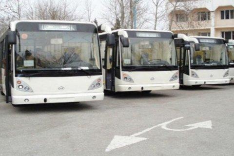 Vergi borcuna görə 6 avtobus hərraca çıxarıldı