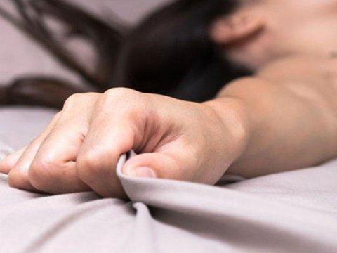 Sumqayıtda ata 15 yaşlı doğma qızını zorladı