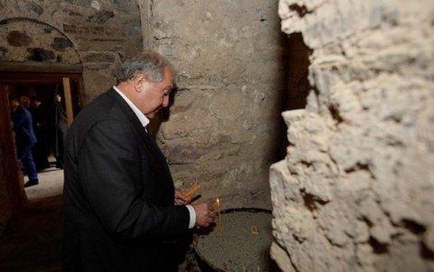 Ermənistan prezidenti KƏLBƏCƏRDƏ - FOTO