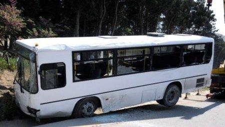 """Bakıda sərnişinlə dolu avtobus """"Kamaz""""a ÇIRPILDI - ÖLƏN VƏ YARALANANLAR VAR"""