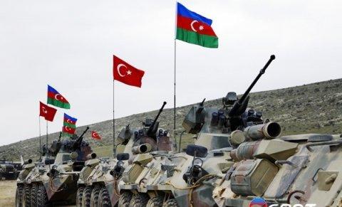 Türkiyə bütün hərbi gücü ilə Bakının yanındadır - Video