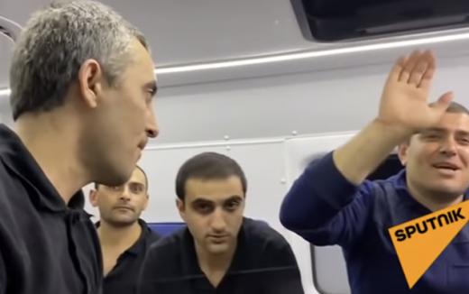 Azərbaycanın qarşı tərəfə təhvil verdiyi ermənilər - Video